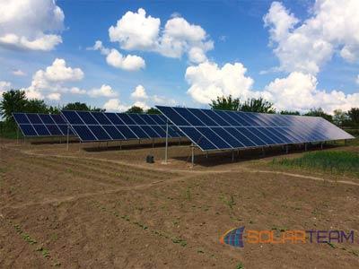 На фотографии солнечные панели в Криворожском районе